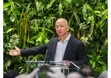 De fundar Amazon y comprar el Washington Post a volar al espacio